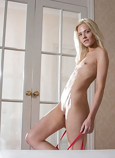 xxx pics Natural blonde Camelia shows her, ass , blonde