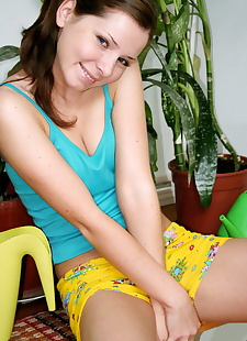 xxx pics Kimmy has green thumbs and yummy pink, Kimmy Teen , ass , petite